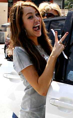 http://images.eonline.com/eol_images/Entire_Site/20080318/293.cyrus.miley.031808.jpg