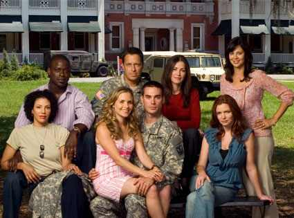 external image 425.army.wives.032708.jpg