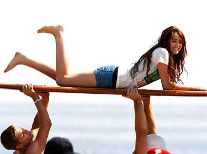 http://images.eonline.com/eol_images/Entire_Site/20080710/425.cyrus.miley.071008.jpg