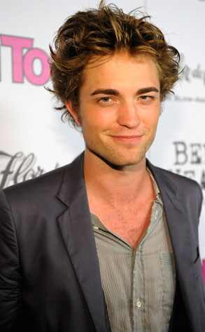 http://images.eonline.com/eol_images/Entire_Site/20081010/293.pattinson.robert.101008.jpg