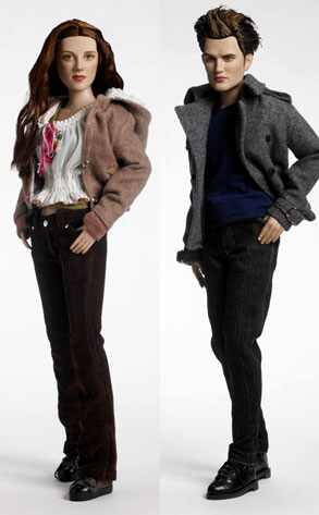 http://images.eonline.com/eol_images/Entire_Site/20081212/293.twilight.dolls.121208.jpg