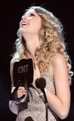 taylor swift tall. for Taylor Swift#39;s quot;Love