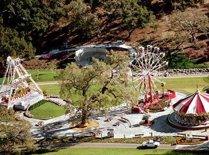 Beyoncé e Jay-Z podem comprar Neverland, antigo rancho de Michael Jackson 425.neverland.estate.lc.062509