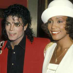 Whitney Houston   Whitney Houston And Michael Jackson Kissing