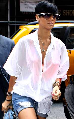 Rihanna was caught by the paparazzi with a tattoo instrument in her hand,