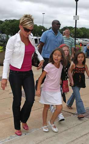 Kate Gosselin Plus 3 Go To The Jonas Brothers Show