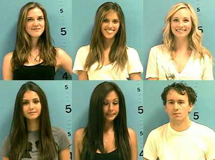 The cast of The Vampire Diaries has the smiling mug shot down pat.
