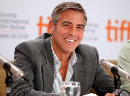 425.clooney.george.lr.091209 (Photo: Twitter) Patriots tight end Rob Gronkowski and adult film star Bibi ...
