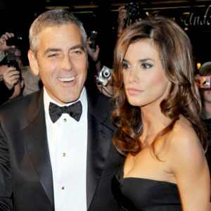 Caught! George Clooney Who?! Elisabetta Canalis Serenaded by Mystery Man