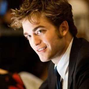 http://images.eonline.com/eol_images/Entire_Site/20100114/300.rememberme.pattinson.robert.2.lc.011410.jpg