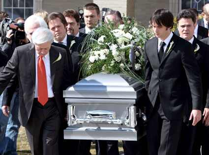 Famous People in Caskets Photos http://www.myspace.com/bradwellsonair/blog