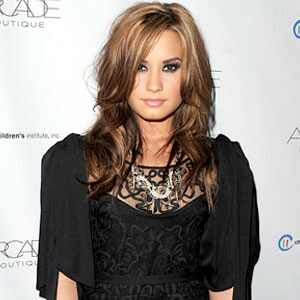 http://images.eonline.com/eol_images/Entire_Site/2010103//300.lovato3.lc.110310.jpg