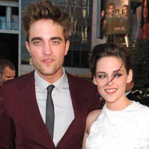http://images.eonline.com/eol_images/Entire_Site/2010524//300.pattinson.stewart.cm.62410.jpg