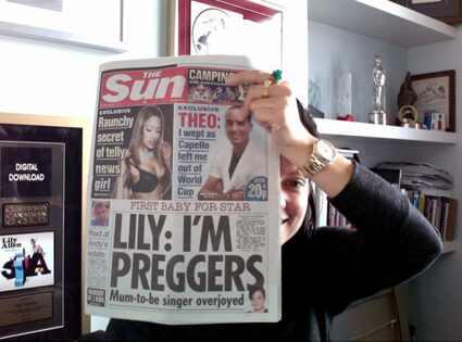 Lily Allen, Twitpic, Twitter