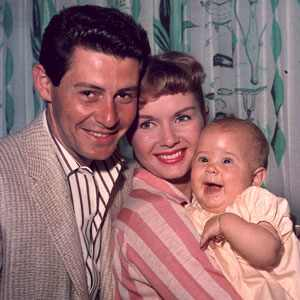 http://images.eonline.com/eol_images/Entire_Site/2010824//300.EddieFisher.DebbieReynolds.Carrie.tg.092410.jpg