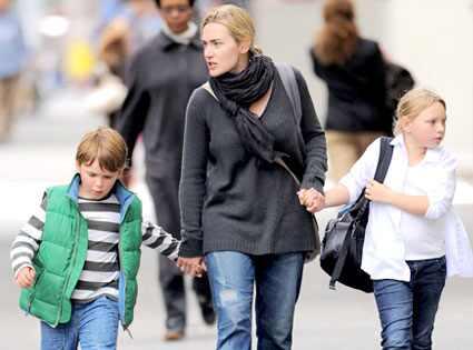 Kate Winslet, Mia, John