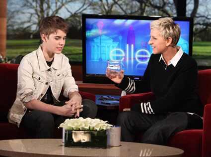 425.Degeneres.Bieber.tg.022411.jpg