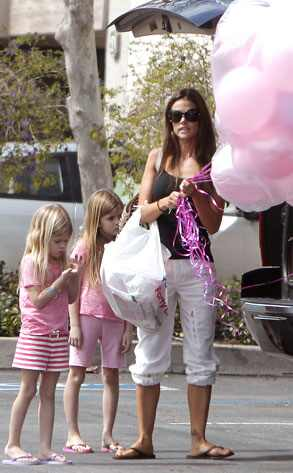 Denise Richards, Sam Sheen, Lola Sheen