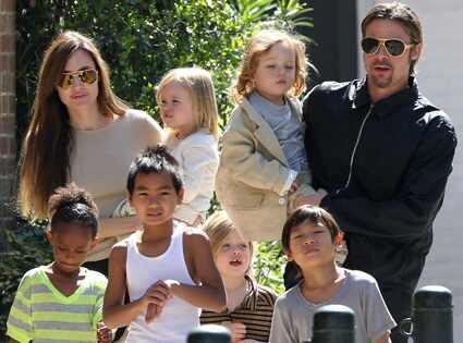 Angelina Jolie, Pax Jolie-Pitt, Maddox Jolie-Pitt, Brad Pitt, Vivienne Jolie-Pitt, Shiloh Jolie-Pitt, Zahara Jolie-Pitt, Knox Jolie-Pitt