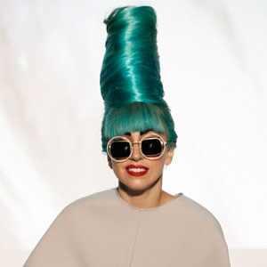 Lady Gaga comienza su lucha contra la calvicie