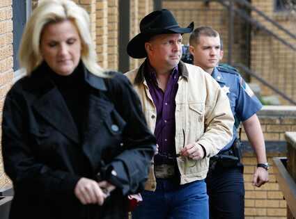 Garth Brooks, Trisha Yearwood AP Photo/Tulsa World, Matt Barnard