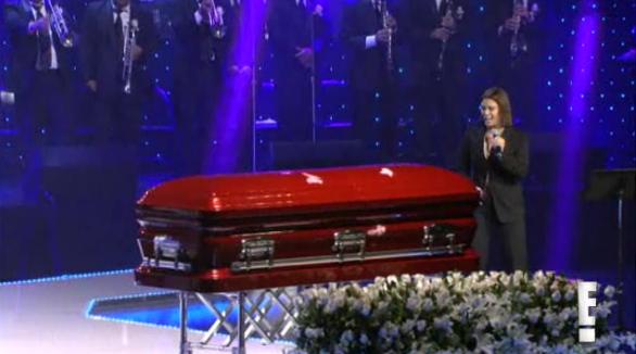 Jenni Rivera recibe un emotivo último adiós…