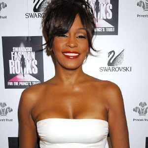 ¿La muerte de Whitney Houston tiene un culpable? La policía cree que sí…