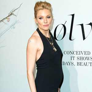 The expectant actress has kept a tight lid on details about her pregnancy ...