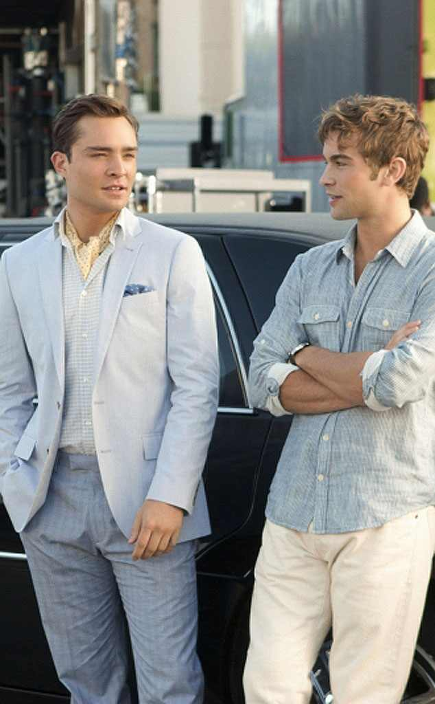 http://images.eonline.com/eol_images/Entire_Site/2012116//634.ChuckBass.GG6.mh.120612.jpg