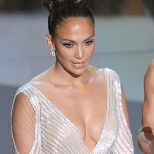 Jennifer Lopez, Oscars 2012, sheer gown, nip peek