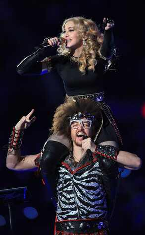 Weekend Wrap-Up: M.I.A. Flips the Bird During Madonna's Show, Katy Perry Talks ...