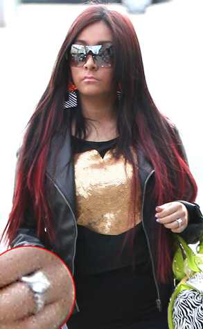 293.snooki.ls.3512 Snooki Engaged and Pregnant, but is Fiancé Jionni LaValle the Father?