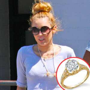Miley Cyrus, Engagement Ring