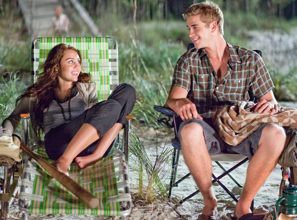 Miley Cyrus & Liam Hemsworth in <i>The Last Song</i>