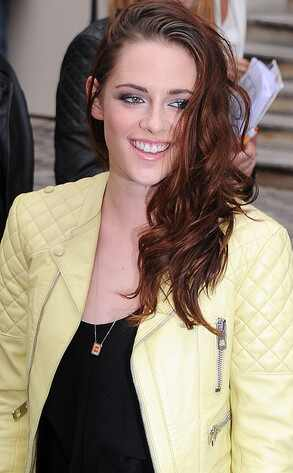 Kristen Stewart, radiante y sonriente en la semana de la moda de París Reg_634.KristenStewart.jc.092712