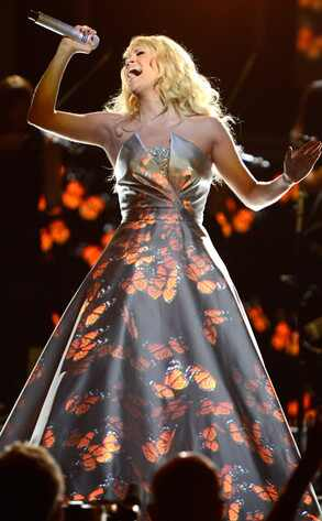 Carrie Underwood, Grammys, Performance