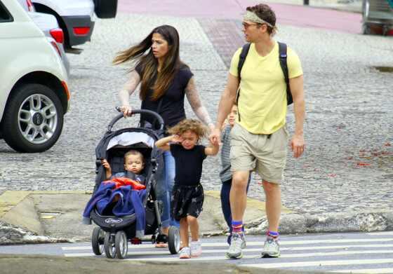 Matthew McConaughey e a família no Brasil