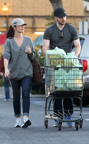 Minka Kelly, Chris Evans