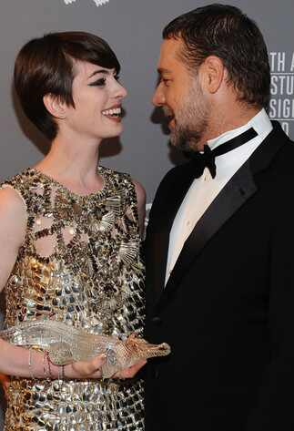 Russell Crowe, Anne Hathaway