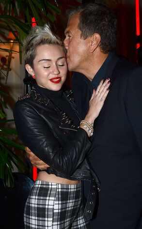 Miley Cyrus, Mario Testino