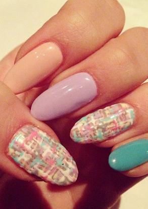 Chloe Moretz manicure