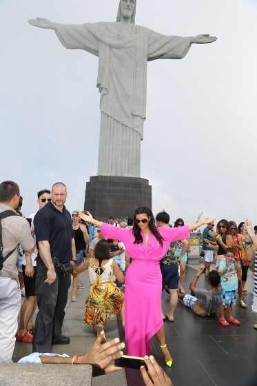 Kim Kardashian lança coleção exclusiva para o Brasil com a C&A