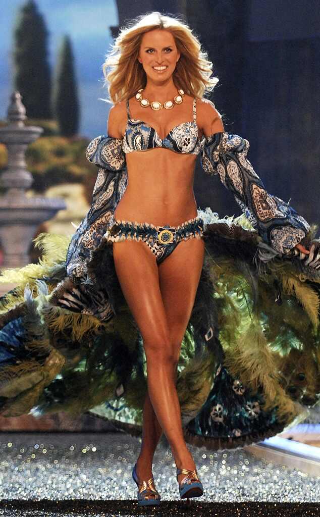 Karolina Kurkova, Victoria's Secret