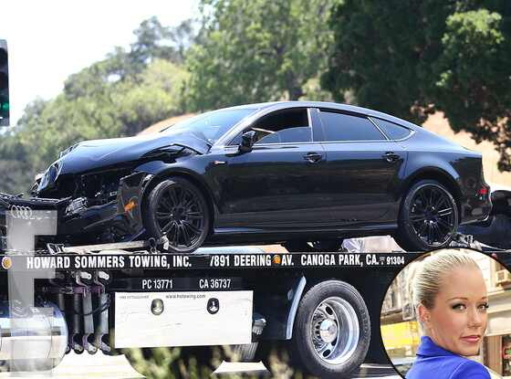 Kendra Wilkinson, Car Accident