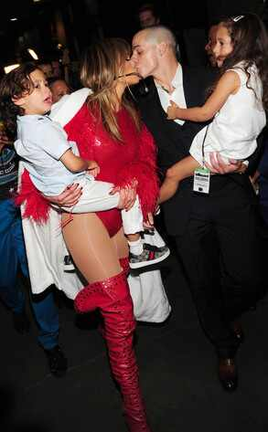 Jennifer Lopez, Emmie, Max, Casper Smart, Billboard Music Awards
