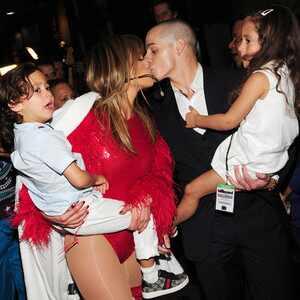 Jennifer Lopez, Emmie, Max, Casper Smart, Billboard Music Awards