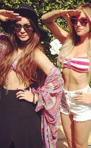 Vanessa Hudgens, Ashley Tisdale