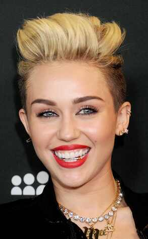 Miley Cyrus, Grill