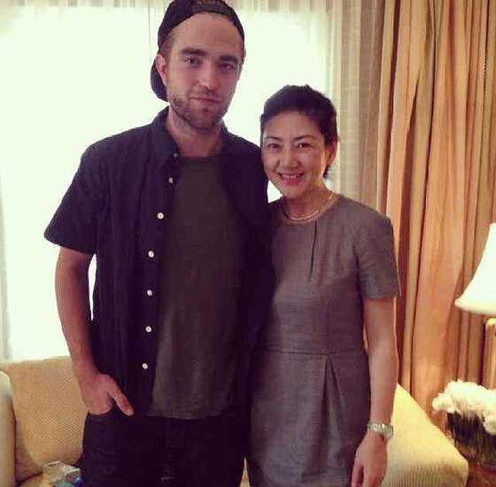 Robert Pattinson, Instagram