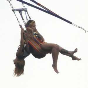 Rihanna, Parasailing